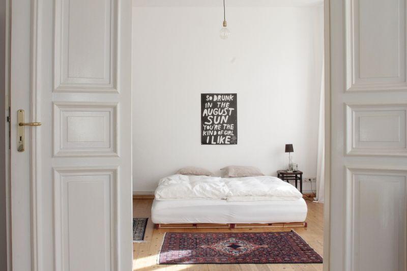 Hausbesuch Minimalistische Altbauwohnung mit Vintage