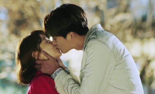 Pin Oleh Nurul Iman Di Park Hyung Sik Park Bo Young Selebritas