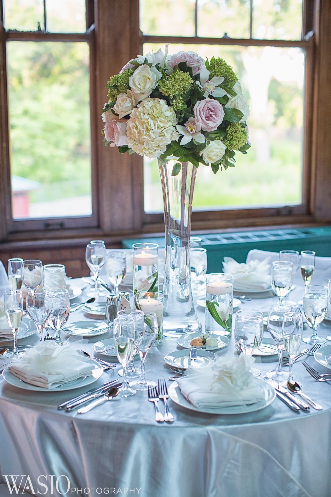 Cafe Brauer wedding venue, Lincoln Park, Chicago, table decor, fresh floral flowers