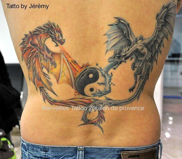 tatouage dragons m dievaux en couleur avec yin et yang repr sentation des l ments feu et eau. Black Bedroom Furniture Sets. Home Design Ideas