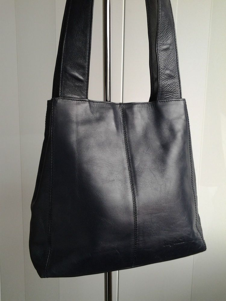 Suzy Smith Navy Leather Handbag Gents Clothes Clutch Bag Will