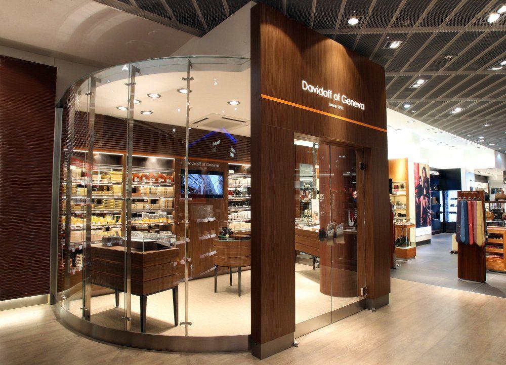 Davidoff Walk-In Humidor / Frankfurt Airport 3   GSP Flower Shop in