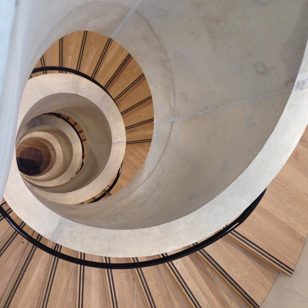 Best The Concrete Spiral Staircase At The New Blavatnik School 640 x 480