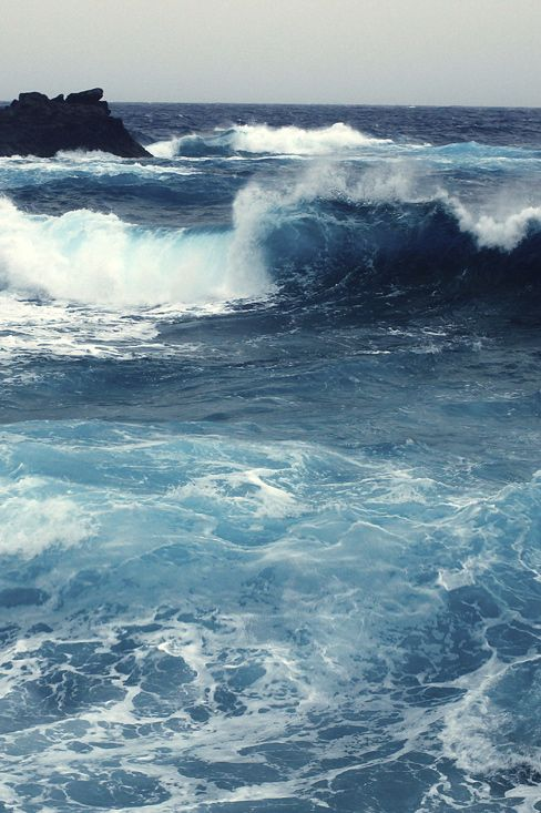A Sea Whose Waves Are Set In Motion By The Wind Natural Beauty Of