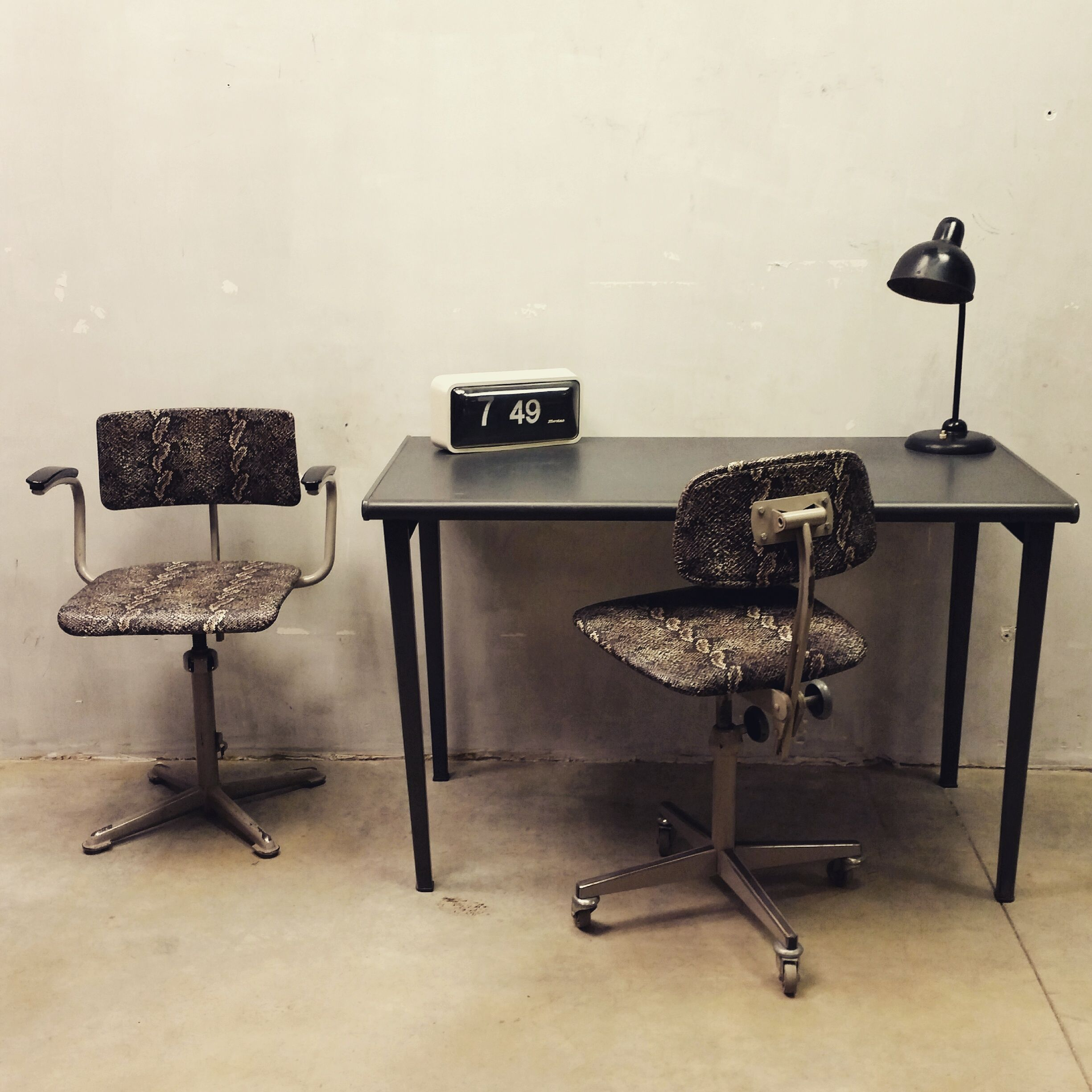 Industrial vintage desk Gispendesk Frisokramerchair wwwbestwelhip