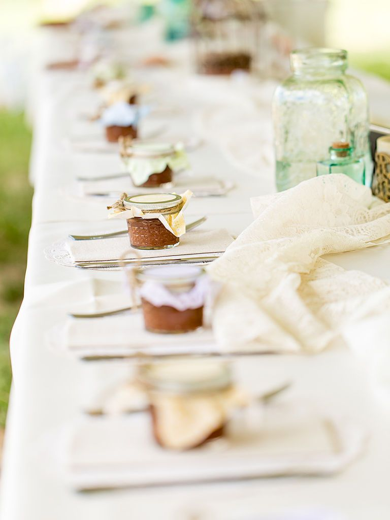 20 DIY Wedding Favors for Any Budget | Apple butter, Favors and Weddings
