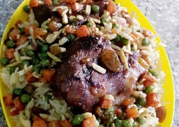 اوزي الدجاج بالصور من Sabreen Aljafari Recipe Dinner Recipes Dinner Meals