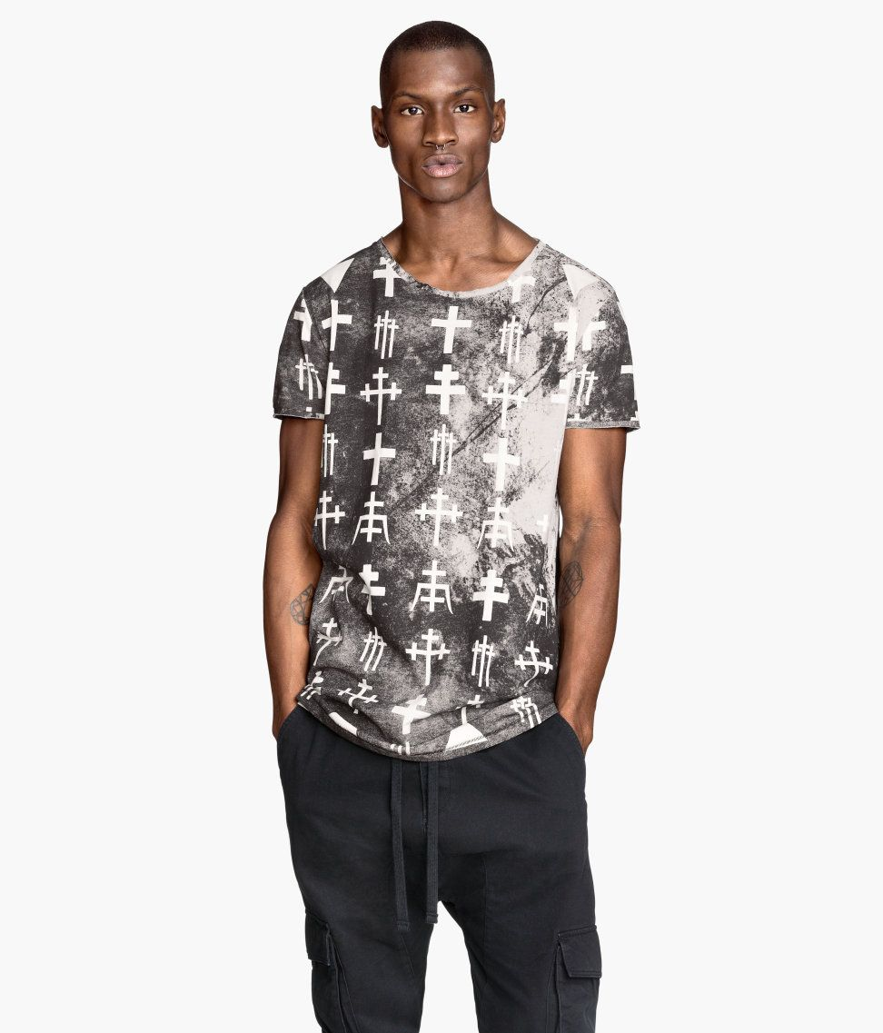 Black & white t-shirt with dyed effect and cross designs. | H&M ...