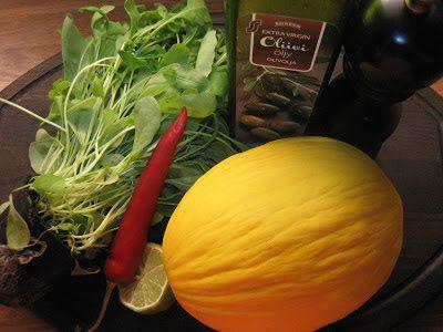Tuoksussa Basilikaa: Meloni-chilisalaatti