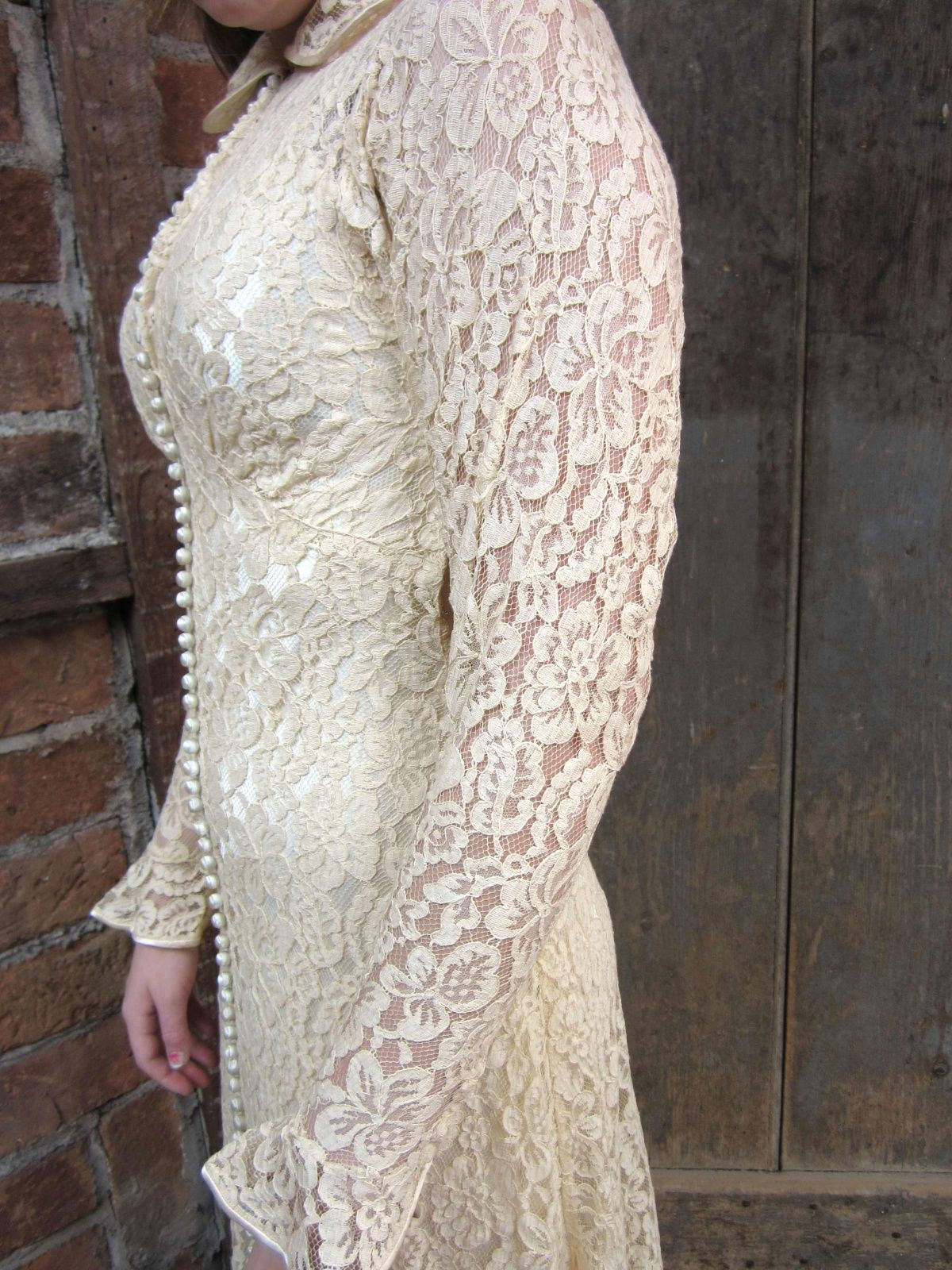1930s wedding dress  s WEDDING GOWNS  Vintage s Lace Wedding Gown Dress
