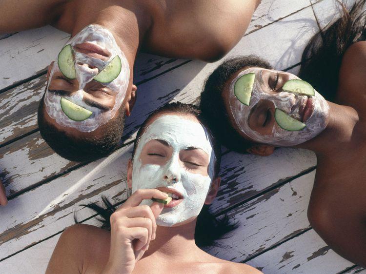 5 recettes de masques maison pour le visage   Masque maison, Masque visage maison bouton, Creme ...