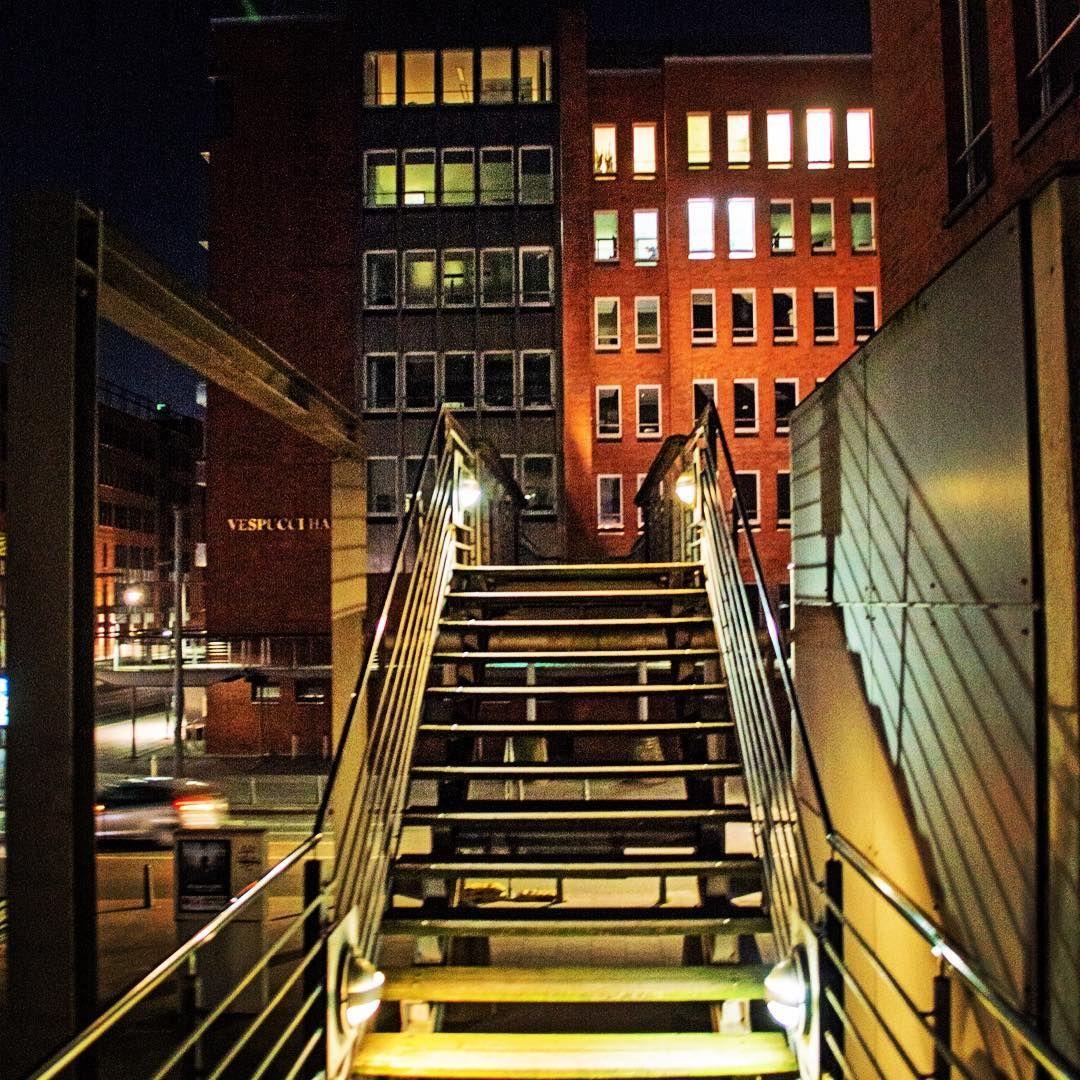 Treppe Hamburg hamburg hafencity speicherstadt treppe lights beautiful