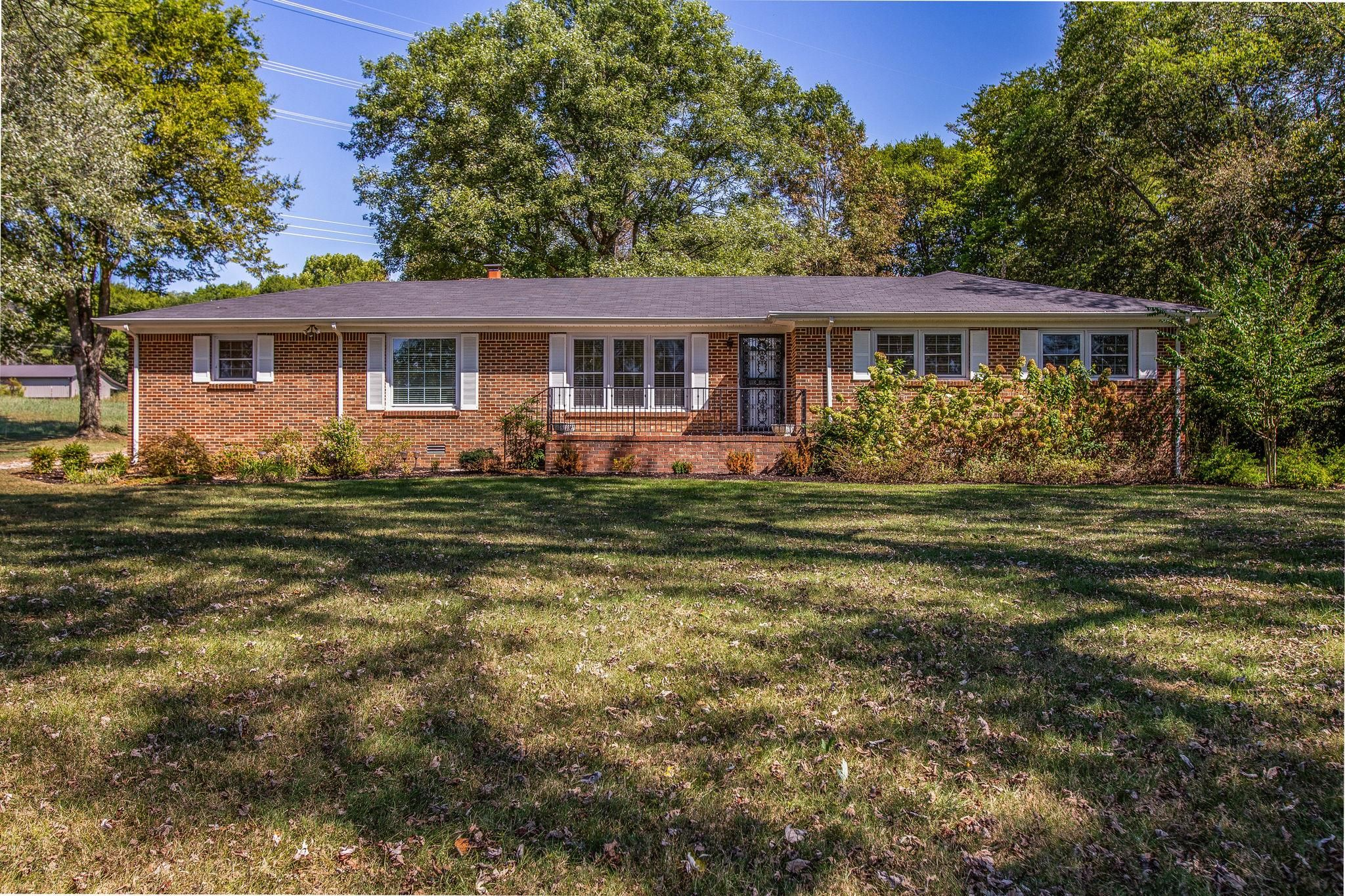 2173 Double Branch Rd Columbia Tn 38401 Home For Sale House Styles Columbia Home