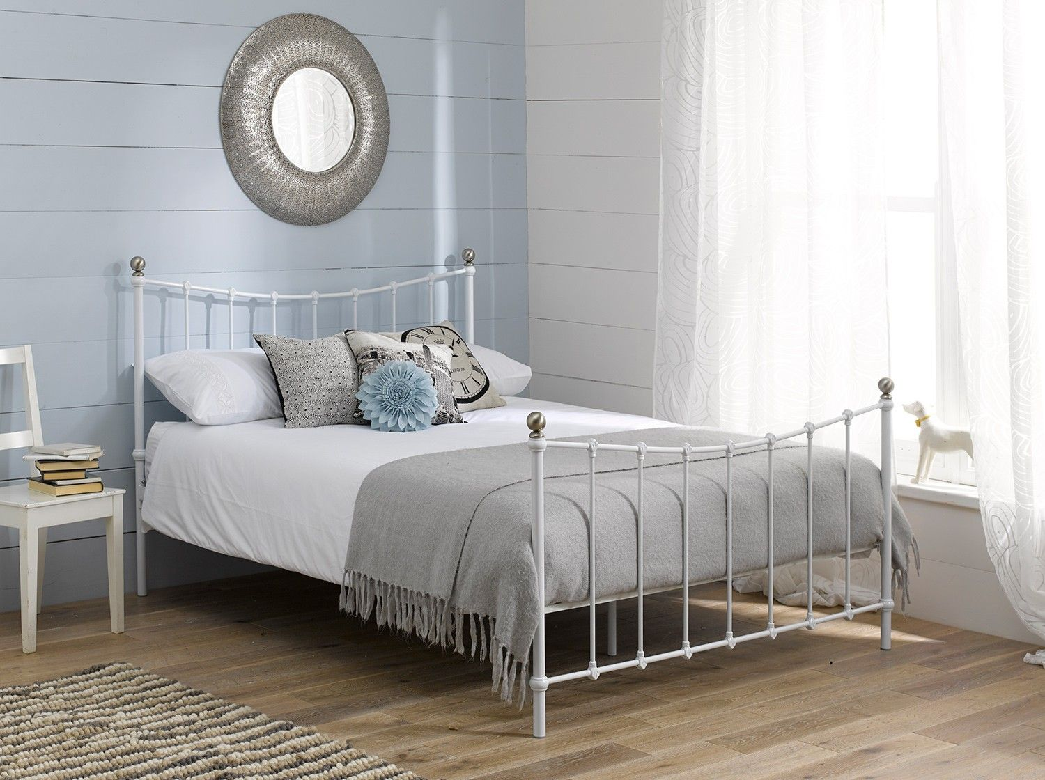 Fancy Wrought Iron Beds With Silver Color White Iron Beds