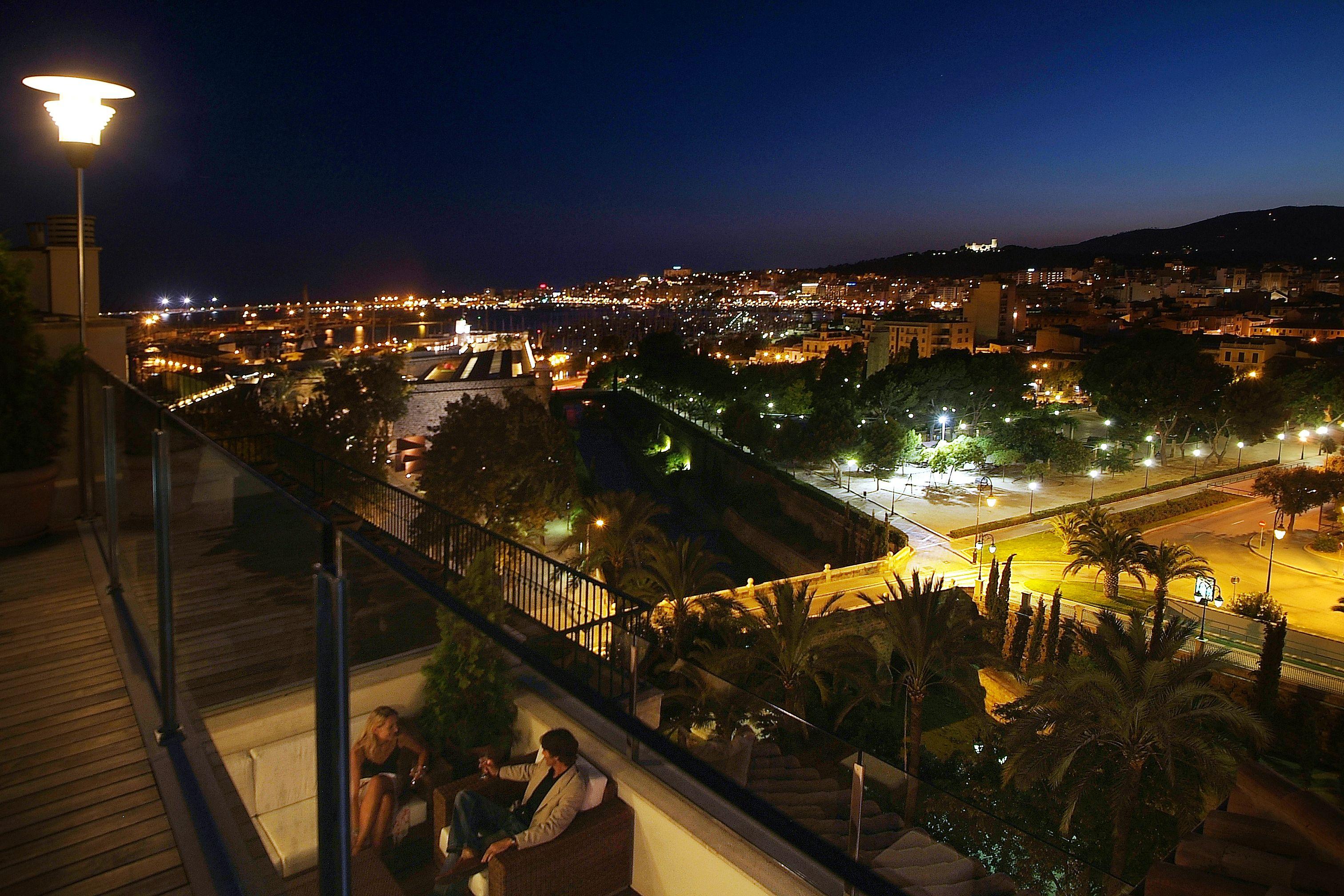 Vistas A La Bahía De Palma Desde El Blue Jazz Club Palma De Mallorca Hotel De Lujo Palmas