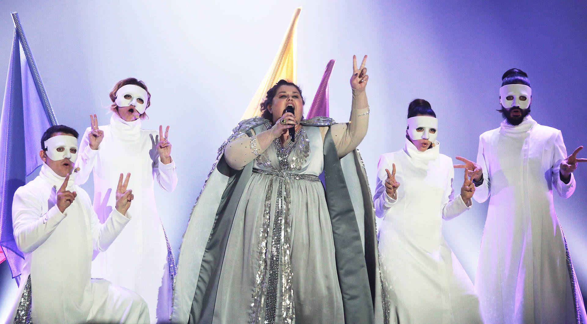 """Serbien Bojana Stamenov mit """"Beauty Never Lies"""" KURIER Franz"""