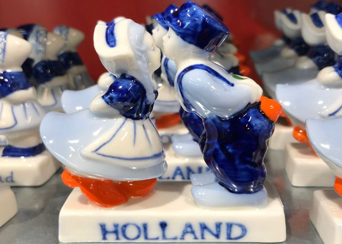 Expats In The Netherlands In Search Of Holland Souvenirs
