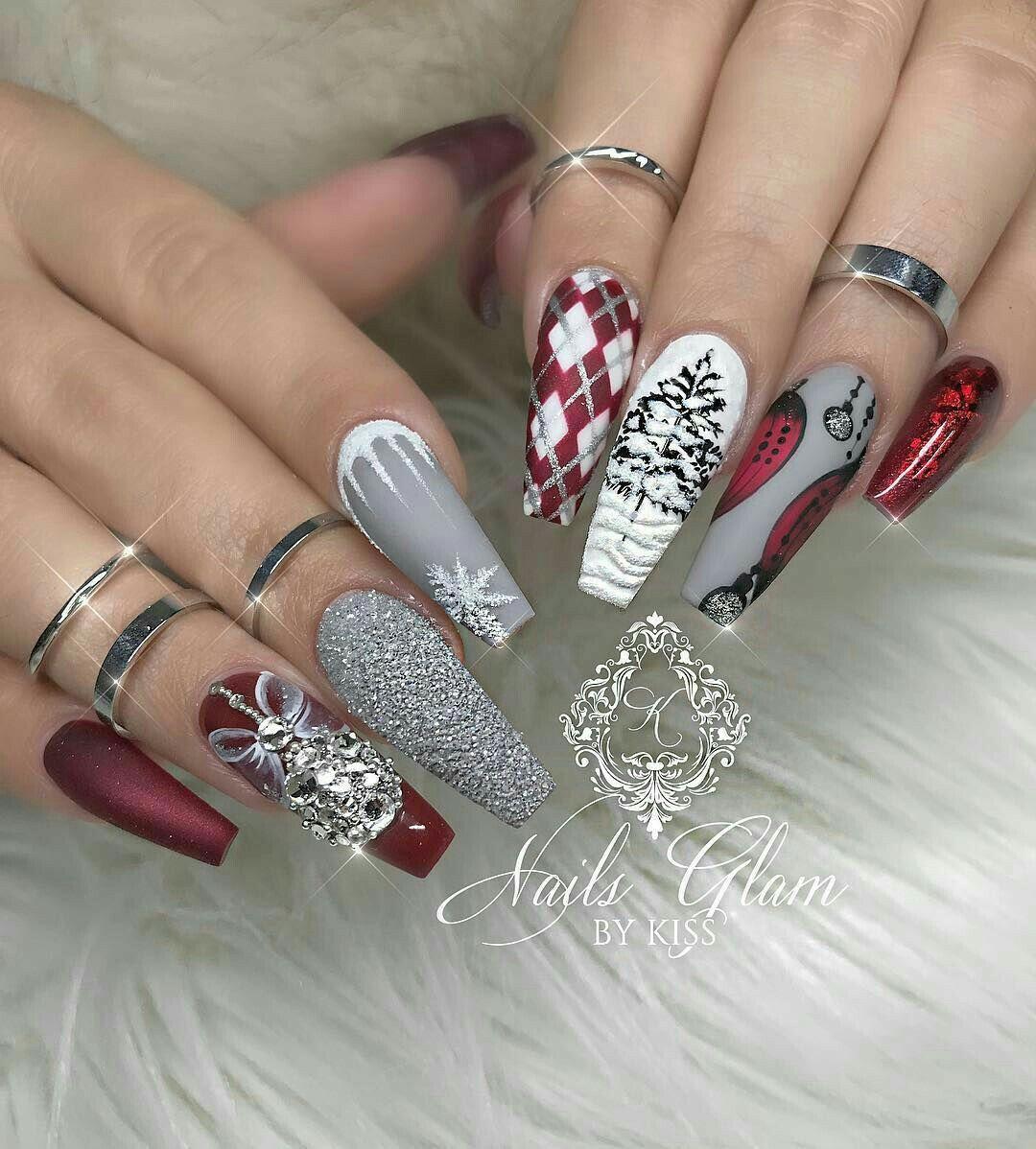 50 Beautiful Stylish And Trendy Nail Art Designs For Christmas Xmas Nails Christmas Nails Coffin Nails Designs