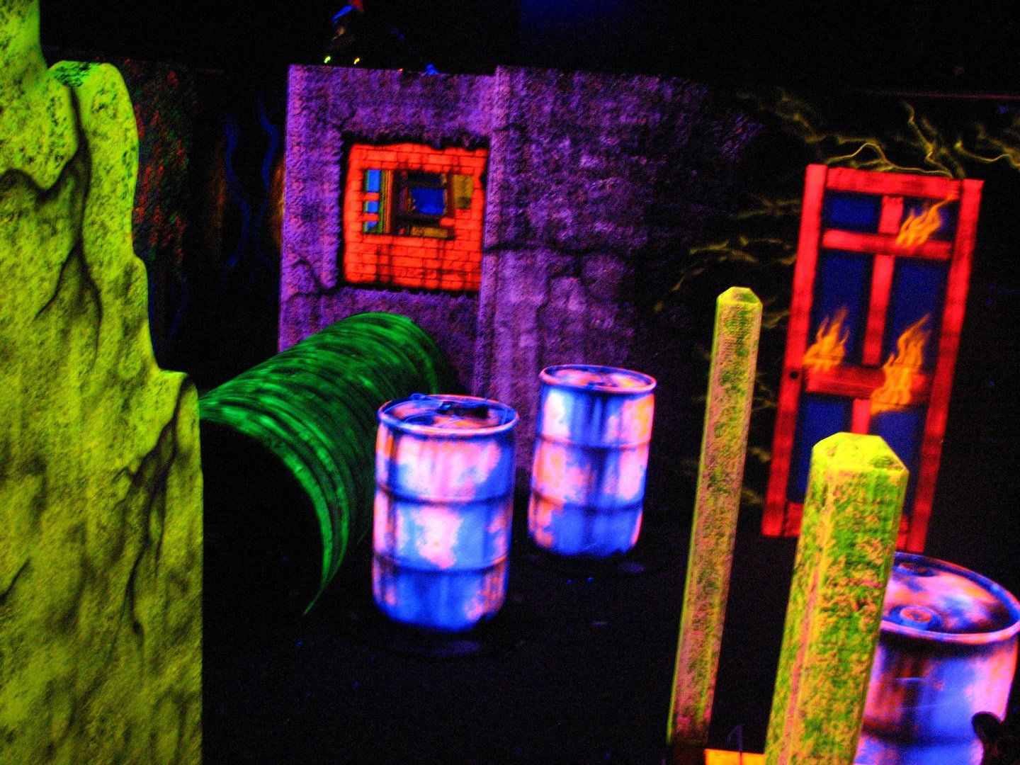 Black Light Attractions Does Installations For Entertainment Centers But You Ll Probabl Blacklight Halloween Haunted House Decorations Halloween Haunted Houses