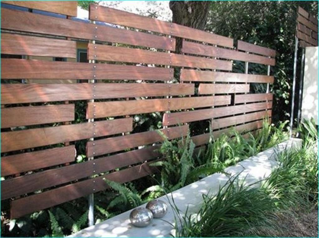 Wooden fence design ideas for simply
