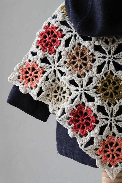 Flower Square Baby Poncho pattern by Maaike van Koert #babyponcho