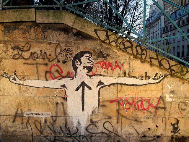 Homem flecha, no Canal Saint Martin