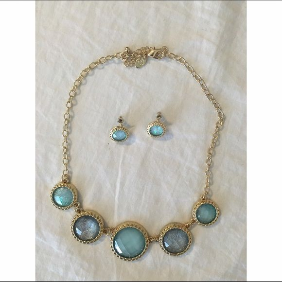 ✨ Necklace and earring set Excellent condition, never used Jewelry Necklaces