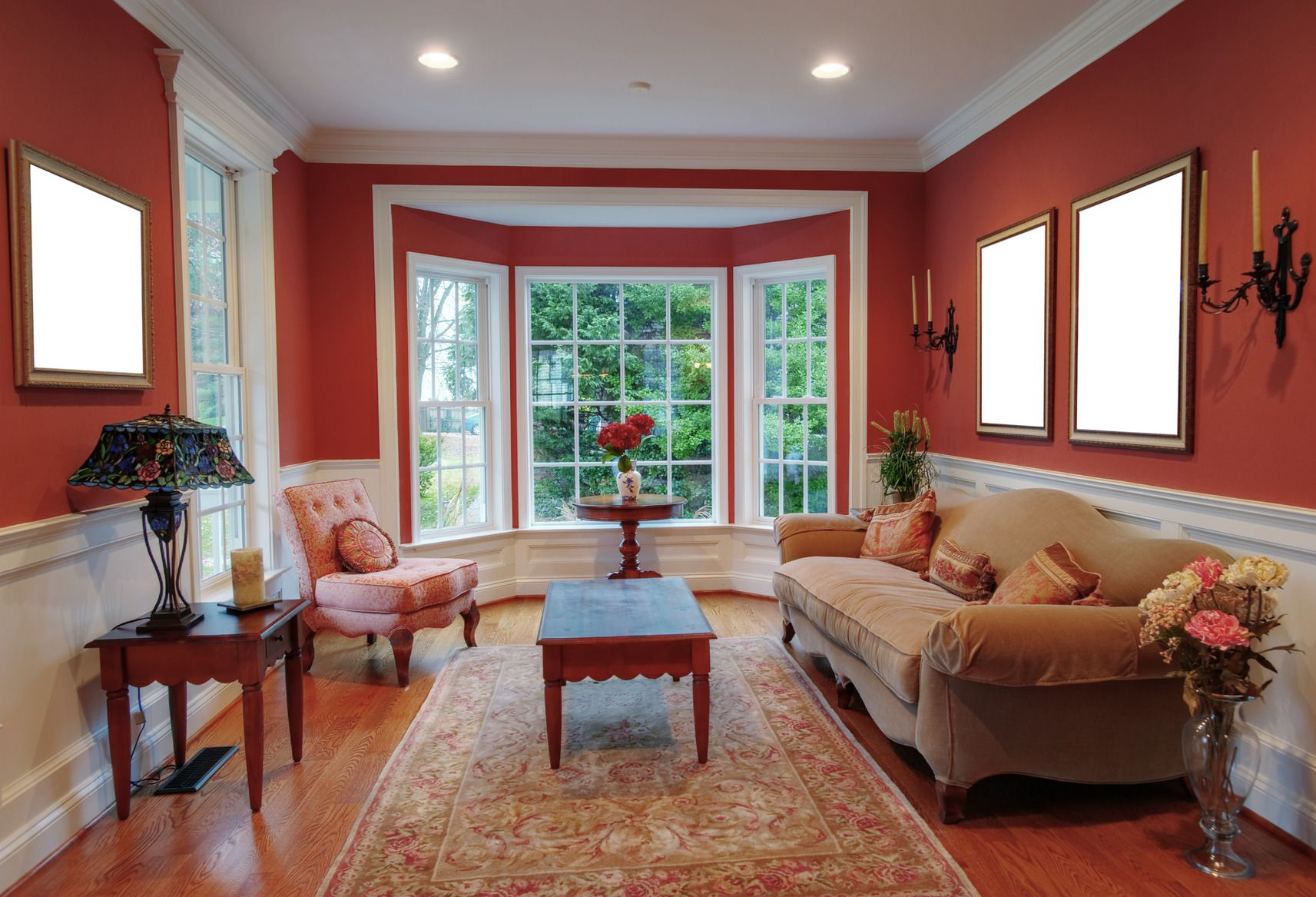 Lovely Bay Window Idea in Living Room with Red Shades