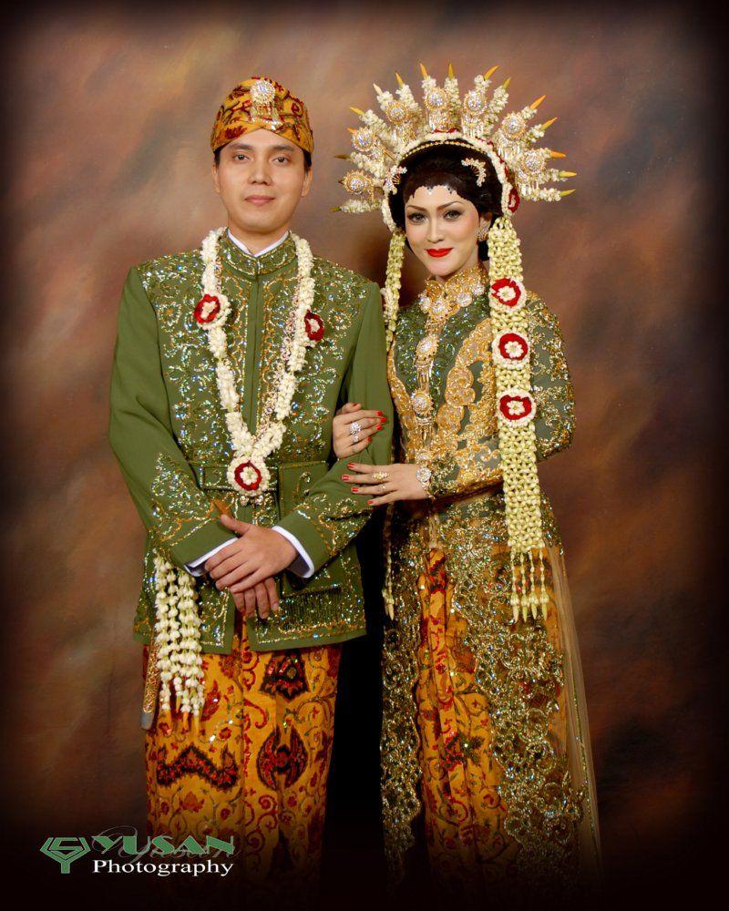 Pengantin Adat Madura Hijau Gold  Pengantin wanita, Pengantin