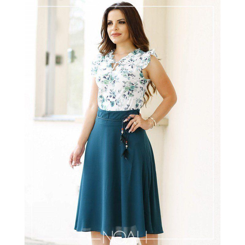 916f1d09e Conjunto saia midi verde e blusinha floral Moda Cristã Moderna, Tecido  Crepe, Look Evangelico