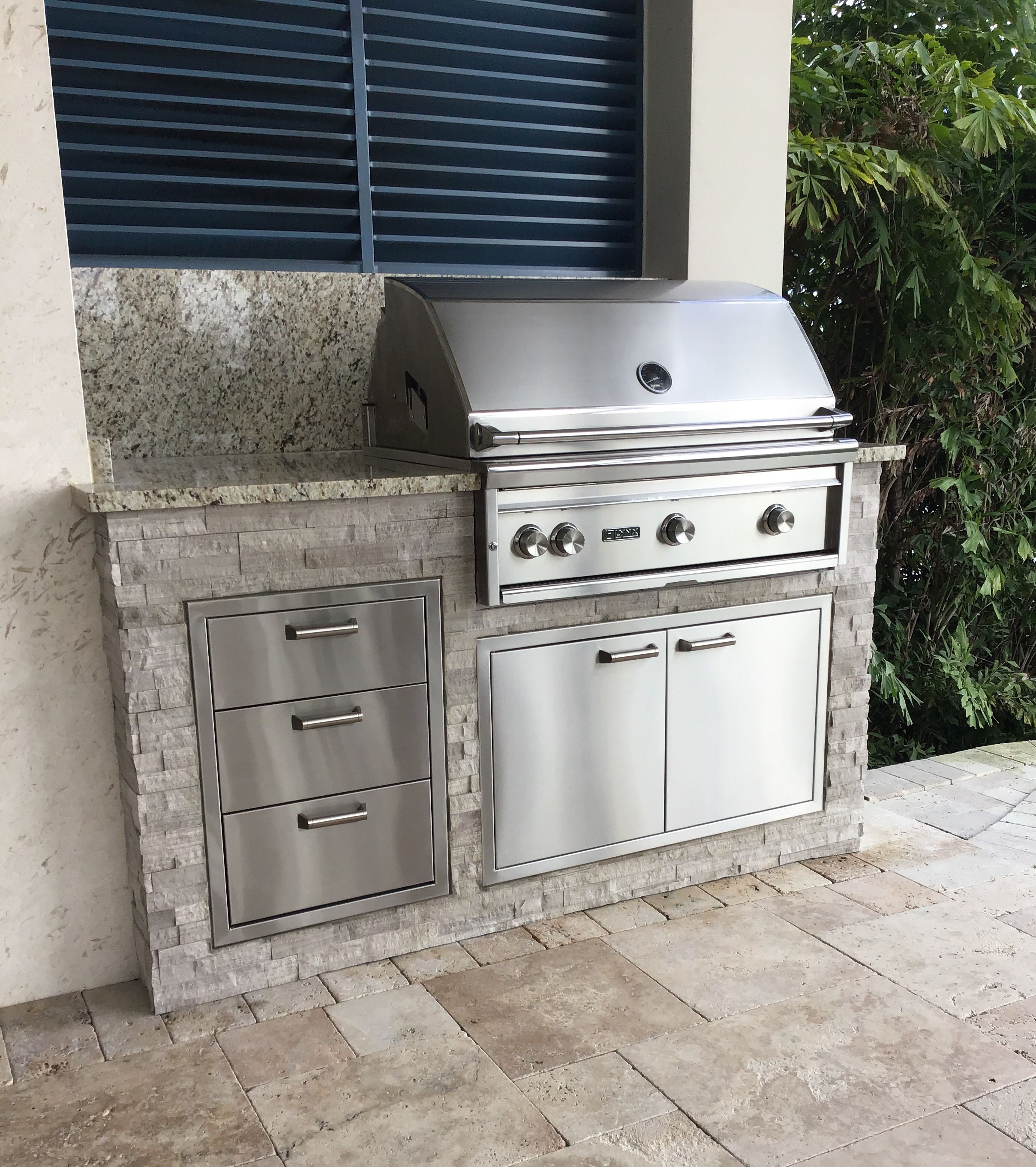A Little Part Of This New Custom Outdoor Kitchen Fischmanoutdoorkitchens Palmbeachgrillcleaner Outdoorentert With Images Outdoor Kitchen Outdoor Appliances Clean Grill