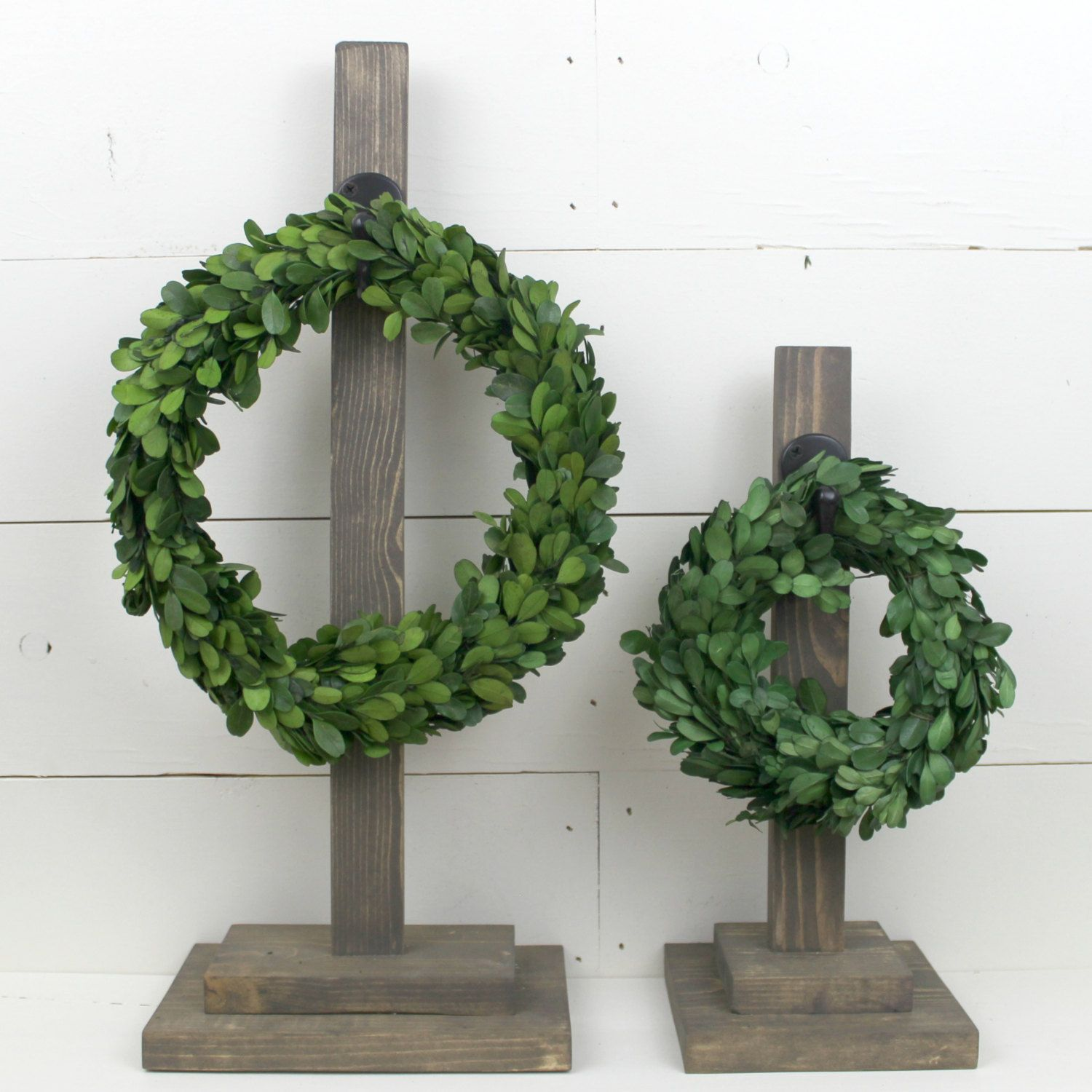 Wreath Holder 20 Wood Wreath Stand Holder With Hook Wreath Optional By Theposhpearshop On Etsy Wreath Boxwoodwre Wood Wreath Wreath Stand Wreath Holder