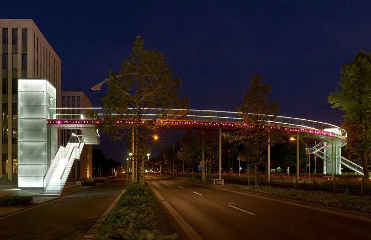 Iluminação interativa na Ponte Telekom,© Lukas Roth / Via lichtkunstlicht