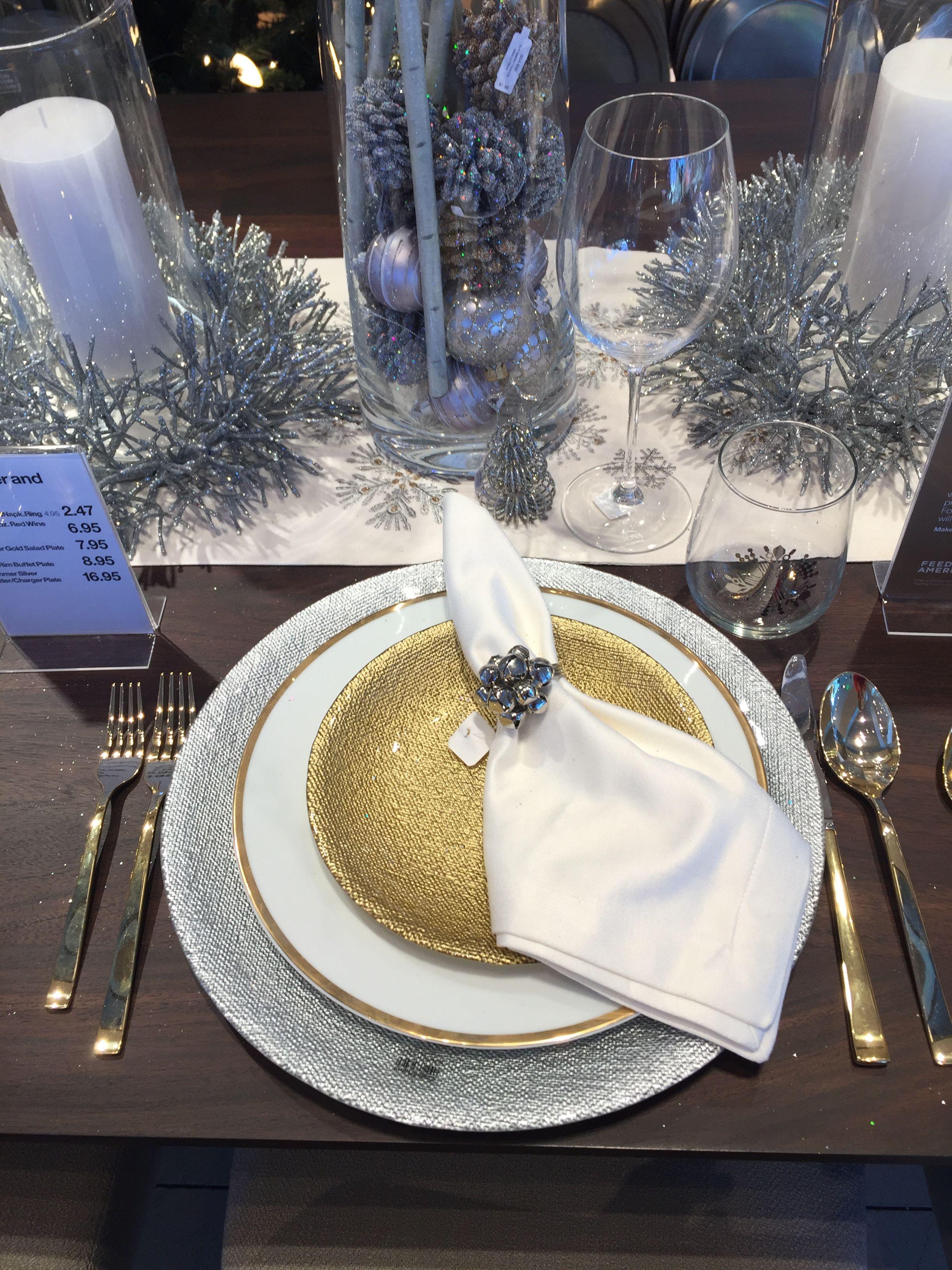 Christmas 2016 White Gold Silver Crate And Barrel Napkin Ring Charger Table Runner Decoracion De Unas Navidad Mesas