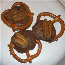 Thought I would share,  recipe to make Pretzel Turtles