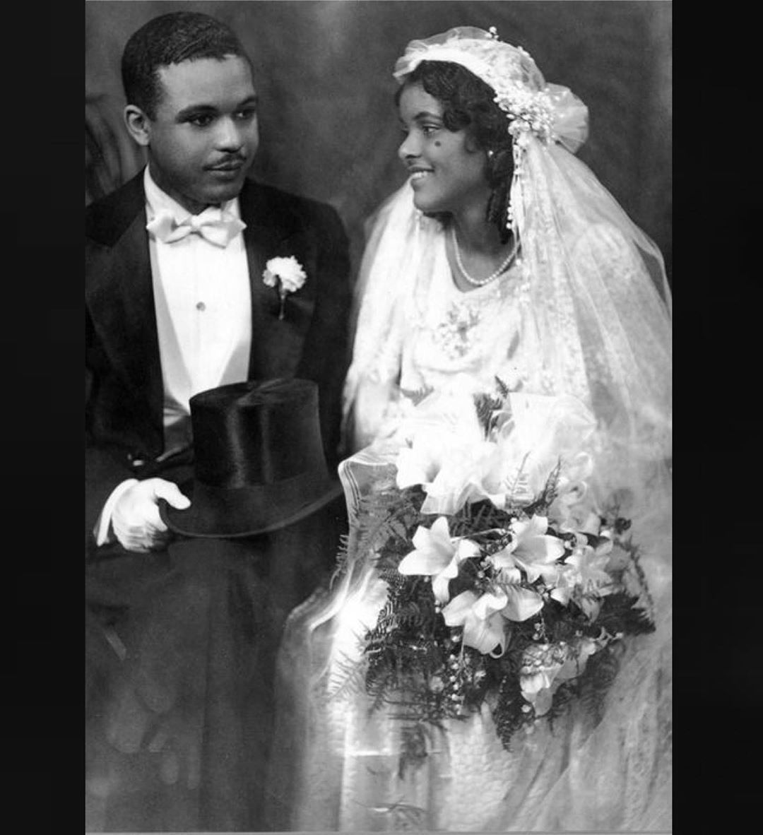 1 525 Likes 33 Comments Ephemeral Elegance Ephemeral Elegance On Instagram Bride And In 2020 African American Brides African American Weddings Vintage Wedding