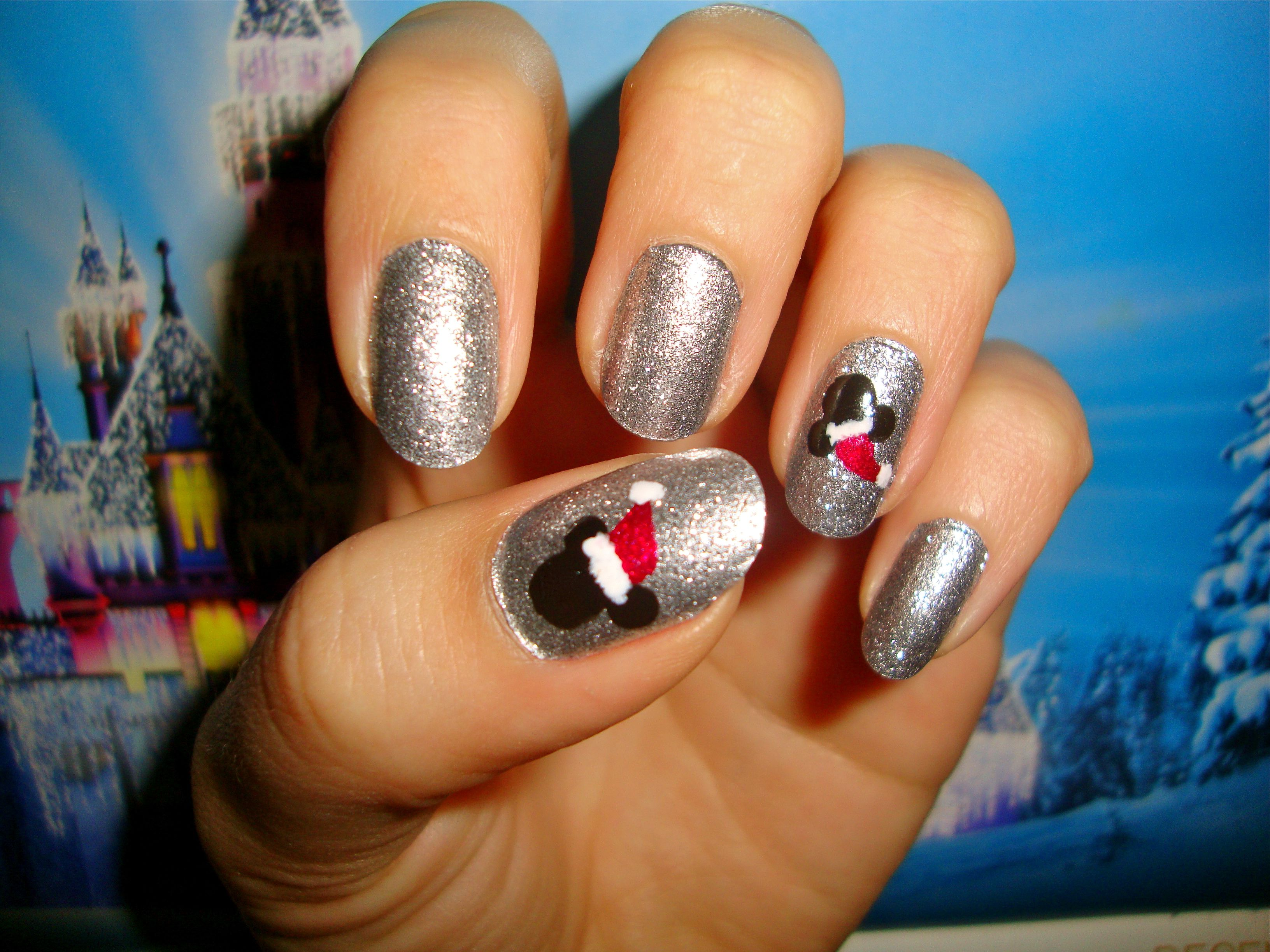 Disney Mickey Mouse nails during the holidays :D | nails | Pinterest ...