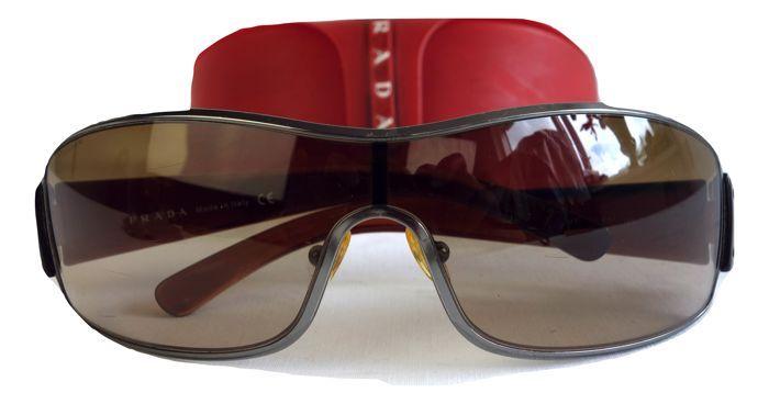 9fd551fefeb Nu in de  Catawiki veilingen  Prada - zonnebril - inclusief alle toebehoren