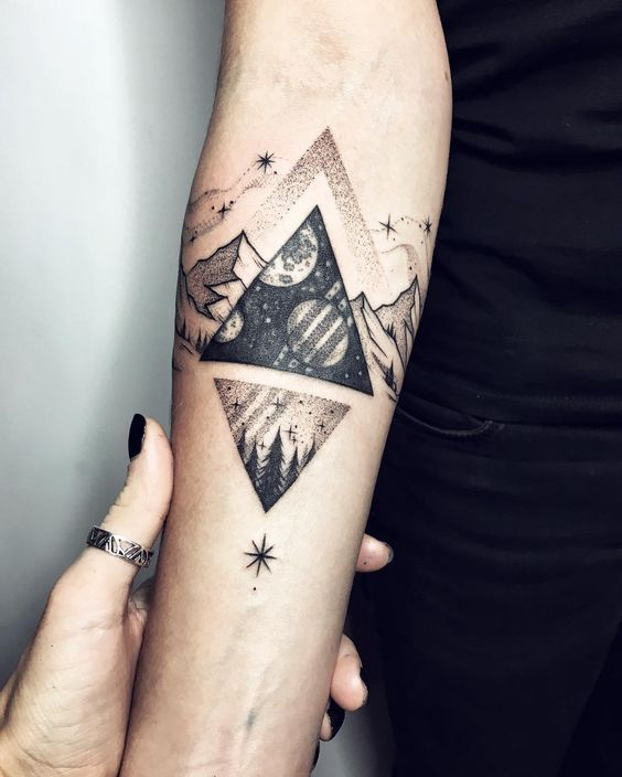 16 meaningful triangle tattoo ideas tattoo ideas pinterest tatouage bras femme tatouages. Black Bedroom Furniture Sets. Home Design Ideas