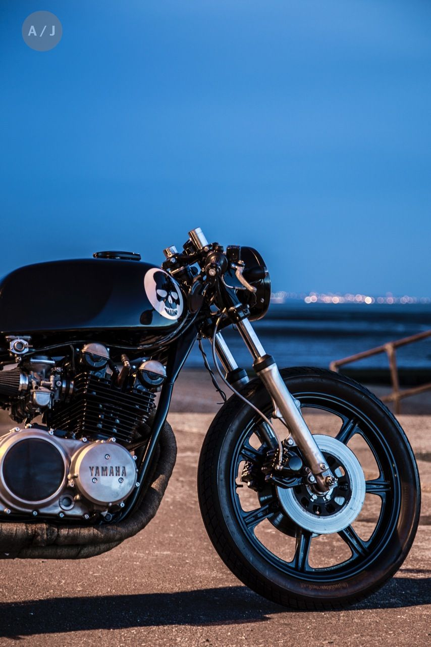 Robinson 8217 S Speed Shop Xs750 Cafe Racer Carros [ 1280 x 854 Pixel ]