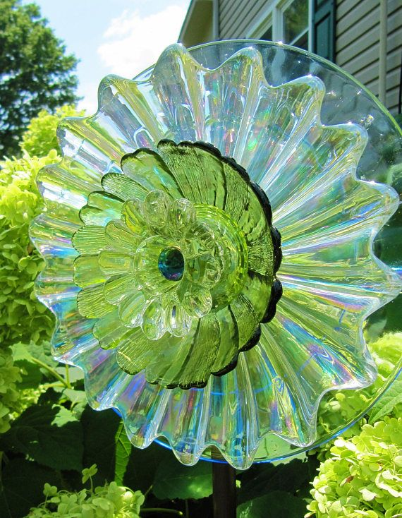 Glass Plate Flower Garden Flower Stakes Yard Art Garden