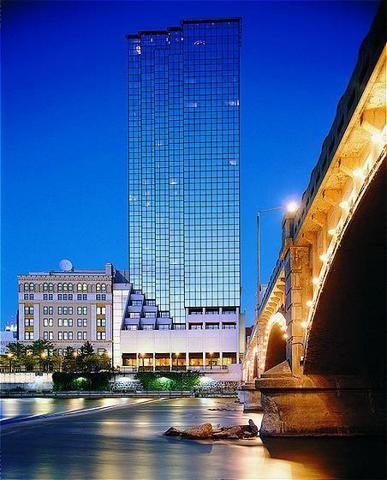 Amway Grand Hotel Grand Rapids Mi アムウェイ トラベル 世界遺産