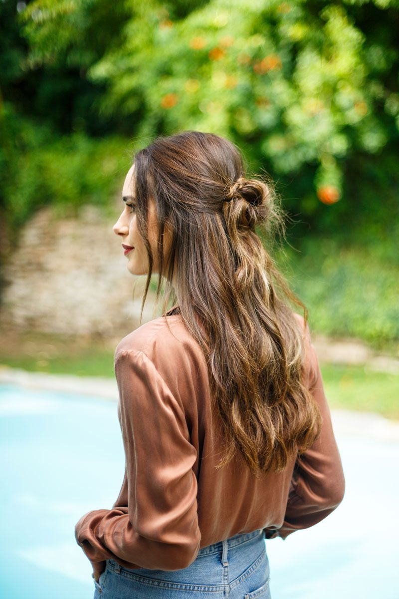 Learn how to give yourself this chic messy half-knot in less than 10 mins here: http://frontroe.co/2iFSsox #hairstyles #beauty #FrontRoe