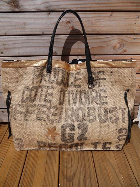 sac de plage cabas en toile de sac caf recycl de baladescreatives sur mes. Black Bedroom Furniture Sets. Home Design Ideas
