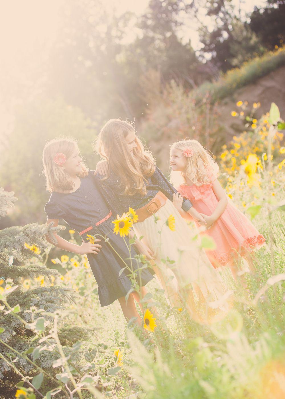 sunflower fields 3> #maylilyphoto #photography #children