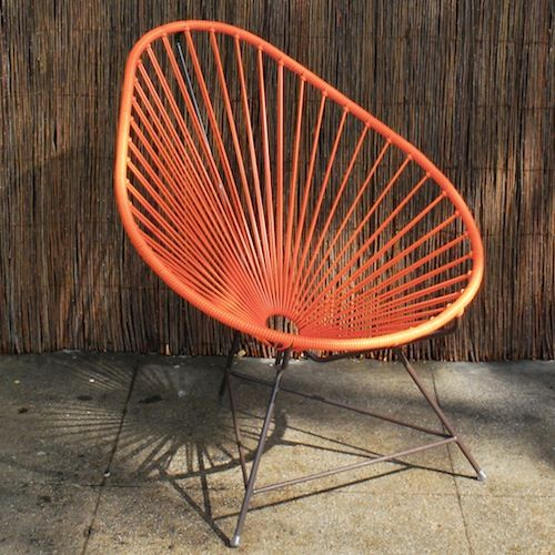 loving this outdoor egg chair. look at that color!!