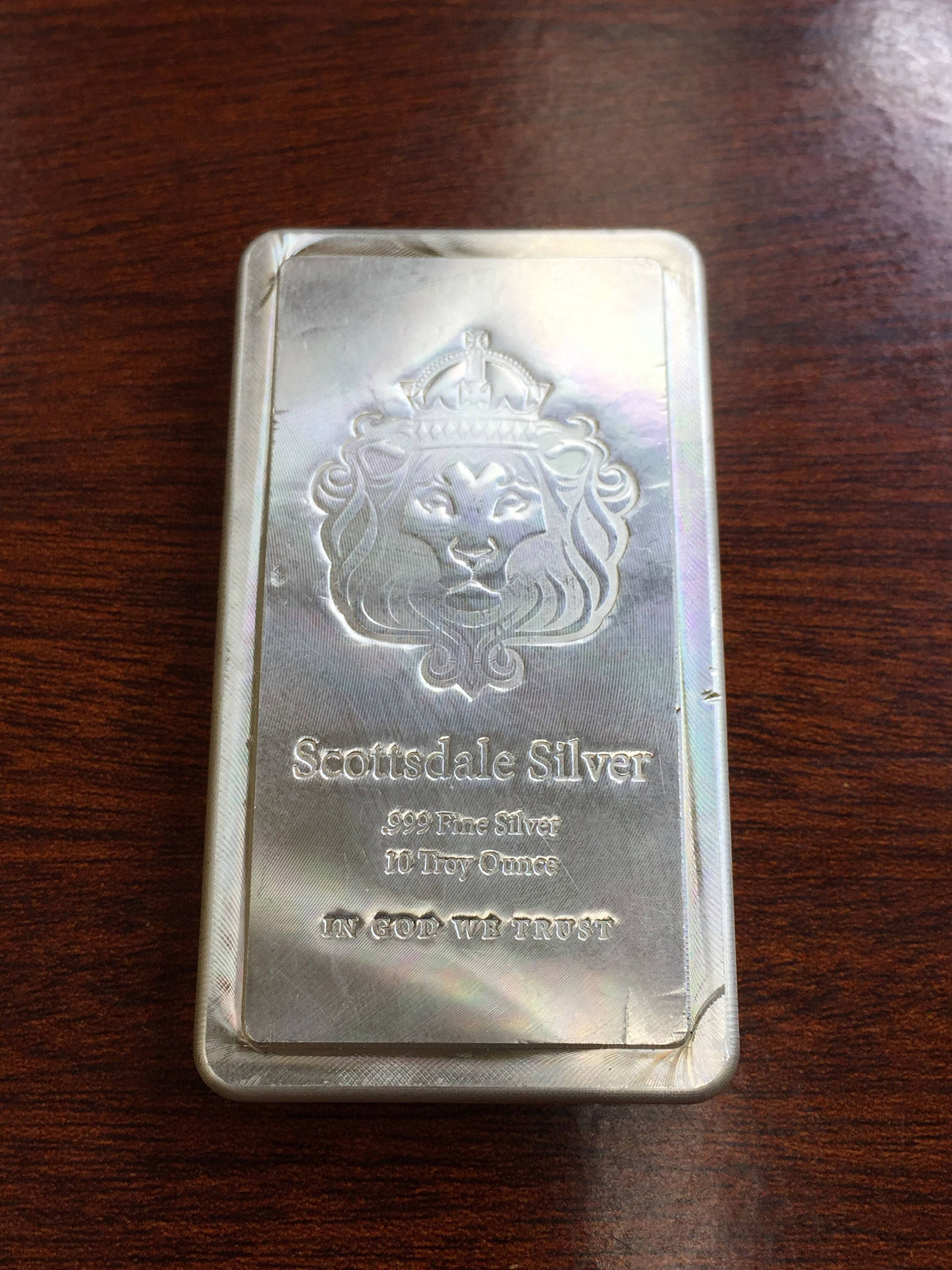 10 Oz Scottsdale Lion Stacker Silver Bar 999 Silver Bullion By Coinlovers On Etsy Https Www Etsy Com Listing 519560342 Silver Bullion Silver Bars Silver Art