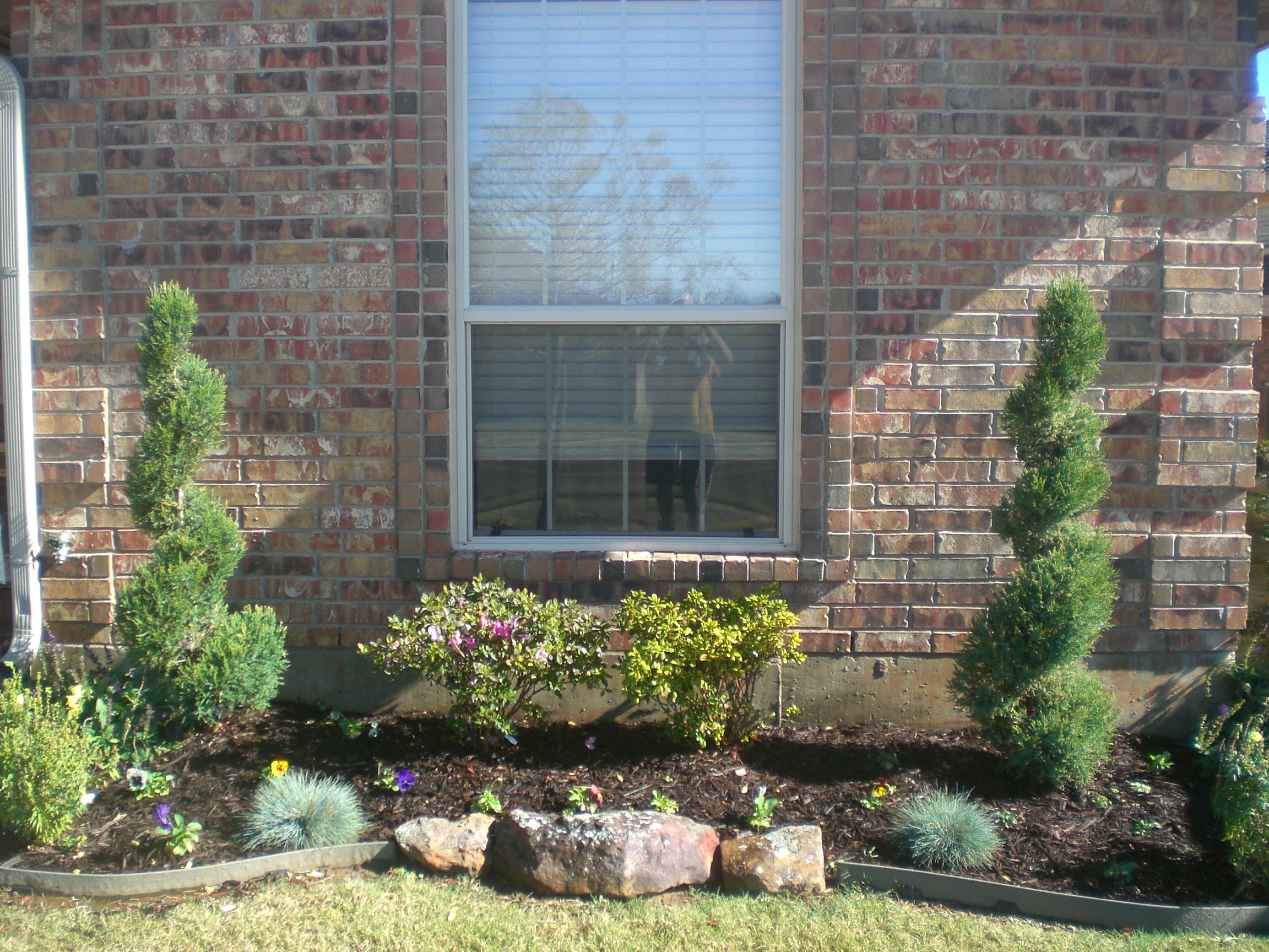 Front Idea Yard Flower Bed Borders | view of front window ...