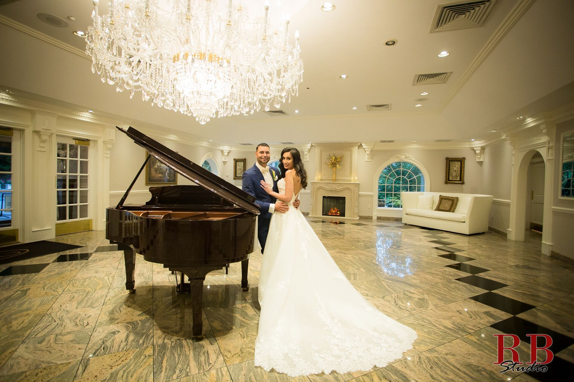 Congratulations to michael barsis on their wedding rb studio congratulations to michael barsis on their wedding rb studio team at chandelier restaurant bayonne nj newjerseywedding egyptianweddin arubaitofo Choice Image