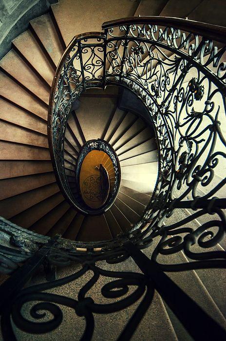 Best Elegant Metal Spiral Staircase Spiral Staircase 640 x 480